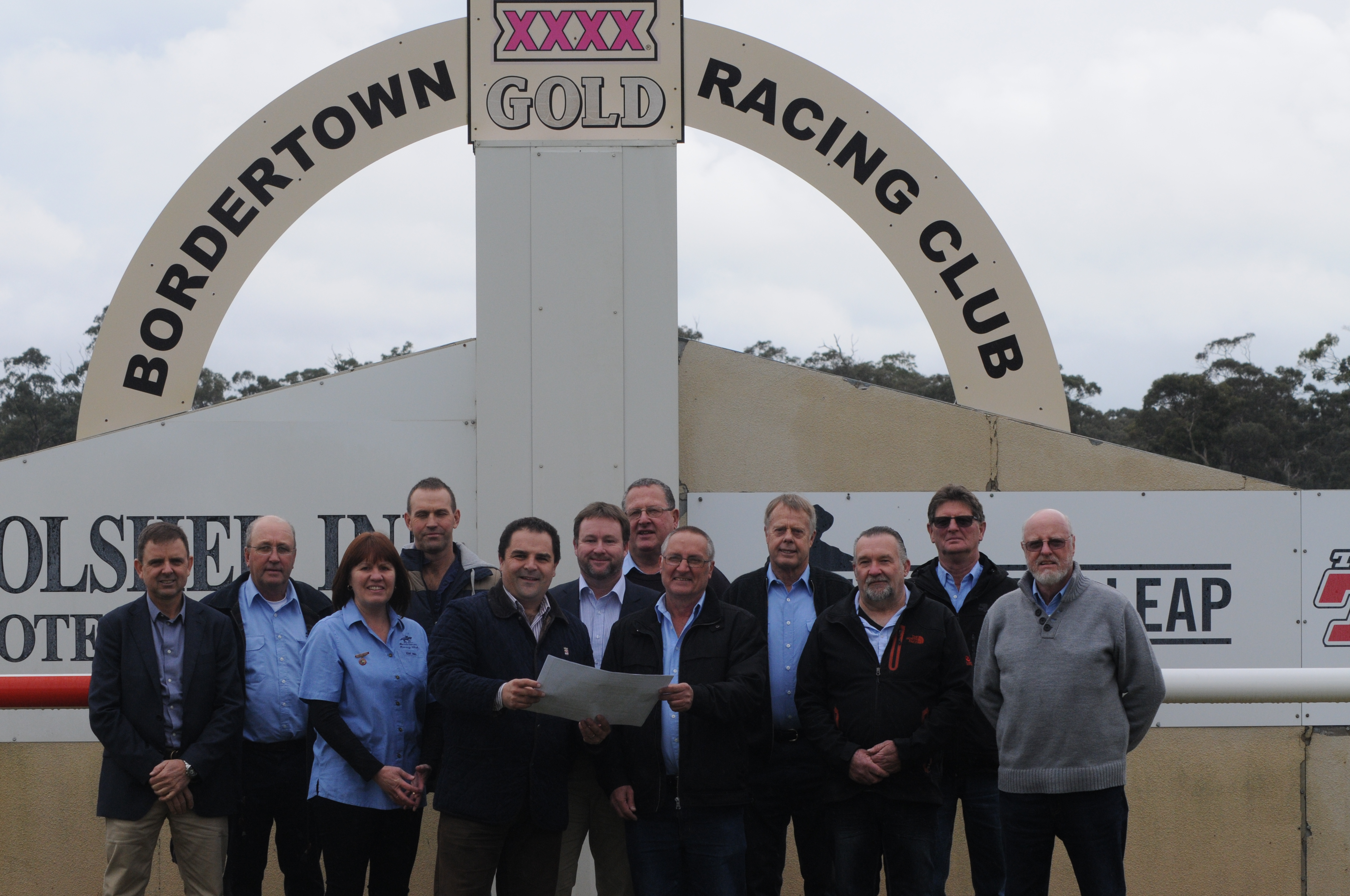 Pasin delivers funding for the Bordertown community